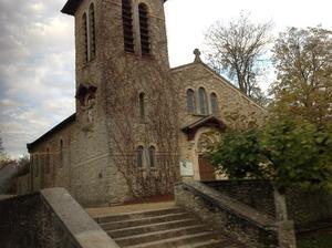 田舎町の古い教会