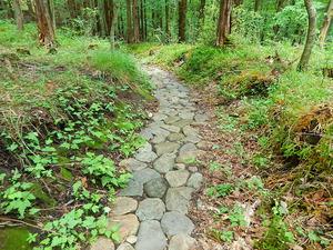 石畳の遊歩道