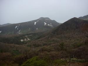 目のまえにそびえる那須茶臼岳