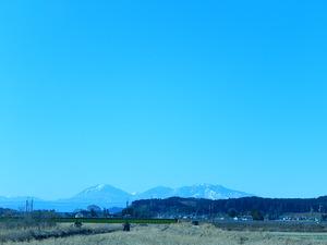 日光の男体山と女峰山