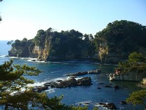 五浦海岸六角堂を望む眺め