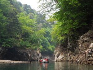 Eボート体験神秘の渓