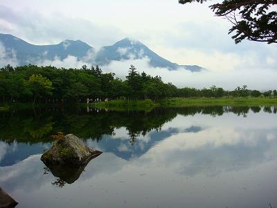 知床五湖のうち一湖の風景