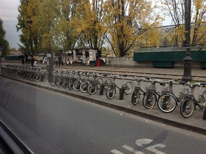 レンタル自転車がずらり