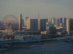 大観覧車と東京スカイツリー