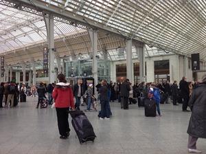 すっかりきれいになったパリ・リヨン駅