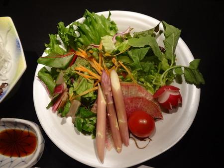 先付・季節のサラダ