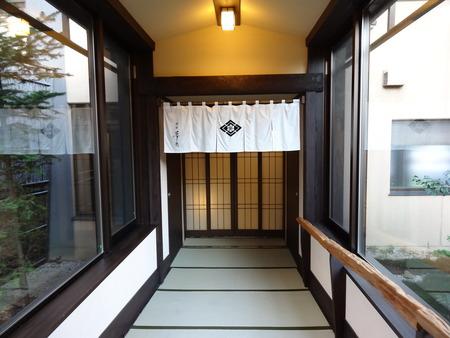 回廊から客室ゾーンへ