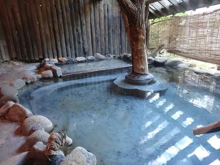 千年の湯、露天