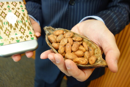 ジャンルーカ・フランゾーニが明治とチョコレートを開発!
