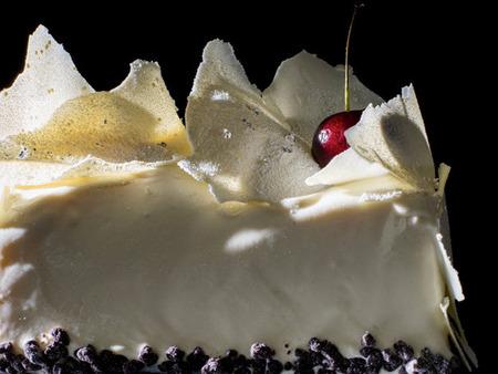 ELLE ON LINE でクリスマスのチョコレートケーキをリコメンド
