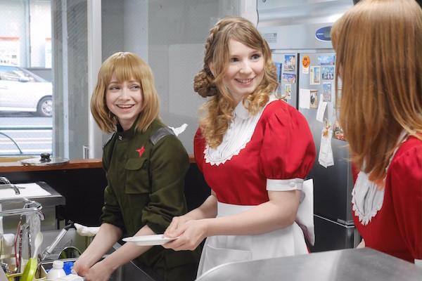 ロシア美女 メイドカフェ 開店 早稲田 コスプレイヤー