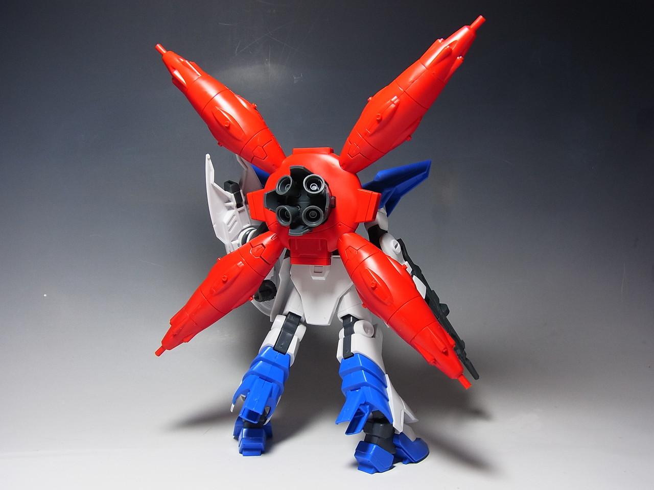 大きな赤いXが背中に装着されました。まさにXアストレイですね。とても印象が変わりました。実際には各所に白がたくさん入るので、塗装後はまた一段と印象が変わること