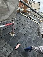 8-25大屋根ミラクシーラーEPO下塗り1回目塗装(2)