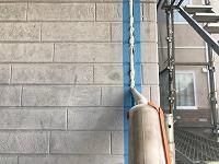 5-1外壁板間シール工事のシール充填作業