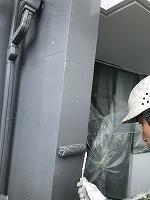 8-12外壁南面上塗りファインSi塗布1回目 (2)