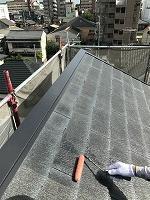 8-23ペントハウス屋根ミラクシーラーEPO下塗り2回目塗装(1)