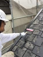 9-20屋根ミラクシーラーEPO下塗り塗布 (2)