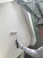 6-12外壁上塗りラジカルコートパーフェクトトップ塗布2回目1