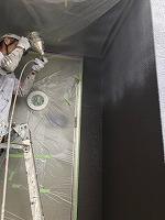 9-11外壁ダイヤカレイド上塗り吹き付け2回目塗装