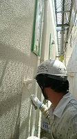 5-30外壁ダイナミックフィラー中塗り塗布 (2)