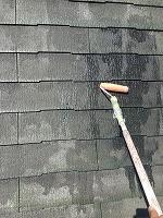 8-24屋根ミラクシーラーEPO2回目塗装 (1)