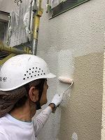 5-24外壁ソフトサーフ中塗り塗布3