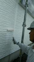 6-1東面外壁中塗りダイナミックフィラー塗布2回目