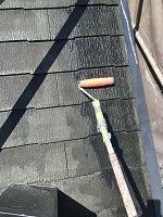 8-24屋根ミラクシーラーEPO2回目塗装 (2)