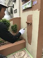 5-14北面塀上塗りダイナミックトップ塗布1回目2