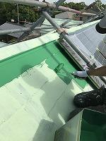 6-9屋根(ガイナ)上塗り塗装2回目1