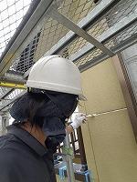 7-2外壁シール工事のプライマー下塗り塗布