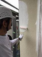 5-24外壁ソフトサーフ中塗り塗布4