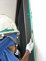 7-21サッシ廻りエポキシ系プライマー下塗り塗布