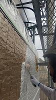 9-22外壁ソフトサーフ中塗り塗布 (2)