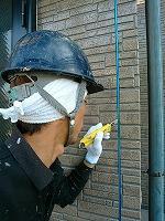 5-29外壁シール工事の既存シール撤去作業