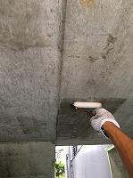 8-22駐車場ミクロンガード上塗り2回目塗装(2)