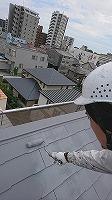 8-26屋根上塗りガイナ塗布3回目 (3)