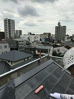 8-23ペントハウス屋根ミラクシーラーEPO下塗り1回目塗装(1)