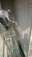 5-31壁面(ニッペパーフェクトトップ)上塗り吹き付け塗装2回目4