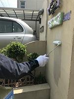 5-14北面塀下塗りミラクシーラーECO塗布1