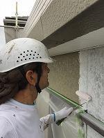 8-26外壁中塗りソフトサーフ塗布 (1)