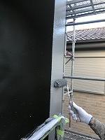 8-12外壁南面上塗りファインSi塗布2回目 (1)
