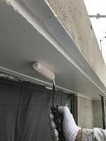 8-5軒天井上塗りケンエース塗布2回目 (2)