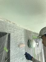 9-23南面、壁面(SK水性ソフトサーフ)中塗り塗装2回目1