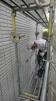 5-31壁面(ニッペパーフェクトトップ)上塗り吹き付け塗装1回目3