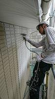 5-30壁面(SK水性ソフトサーフ)中塗り吹き付け塗装1回目1