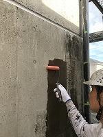 8-4壁面(SKミラクシーラーEPO)下塗り塗装3