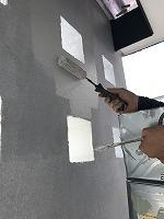 5-18南面・玄関前外壁上塗り無機マスターズコート1回目塗布1
