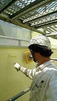5-29中庭外壁ダイナミックトップ上塗り2回目